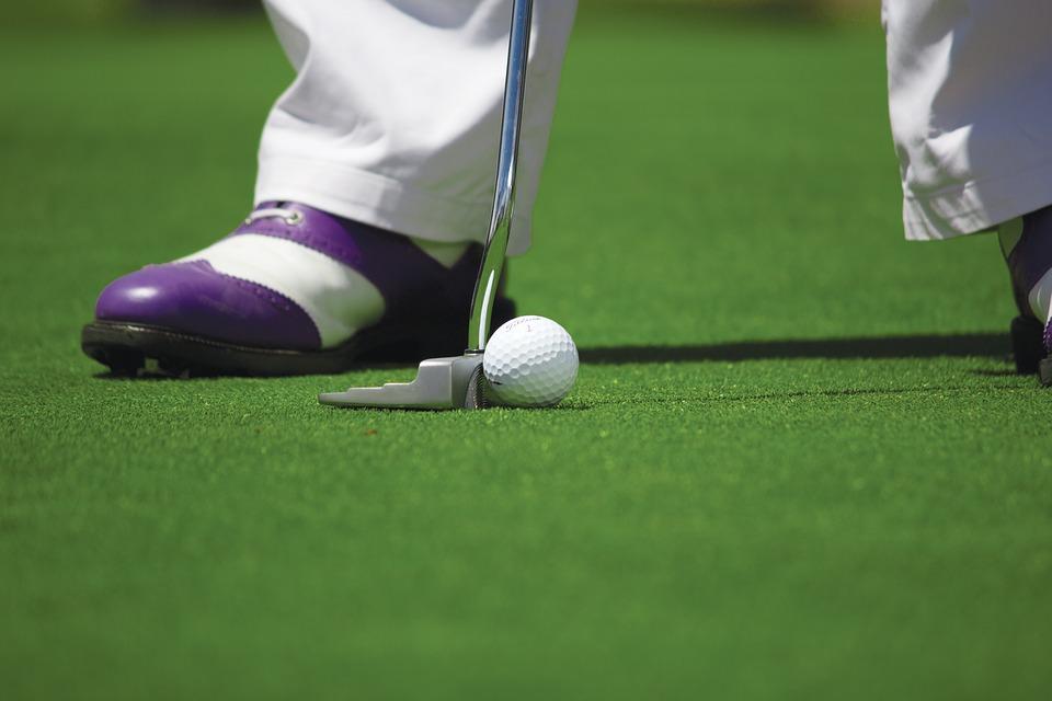 Voici quelques mesures administratives pour les exploitants de terrains de golf afin de minimiser les temps de parcours